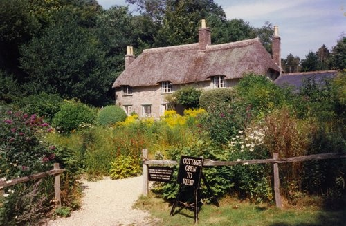 Thomas-Hardy-cottage--Dorset-by-Carol-Munro-qpps_534601419102616.LG